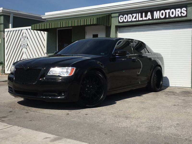 2012 CHRYSLER 300 LIMITED 4DR SEDAN black this one is ready to drive home and show off   don