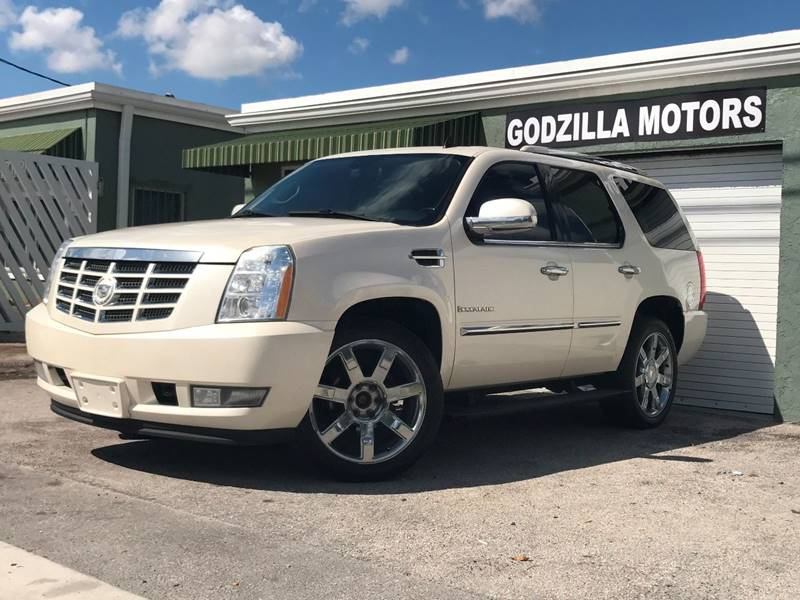 2008 CADILLAC ESCALADE BASE AWD 4DR SUV white running boards - step tow hooks - front trailer h