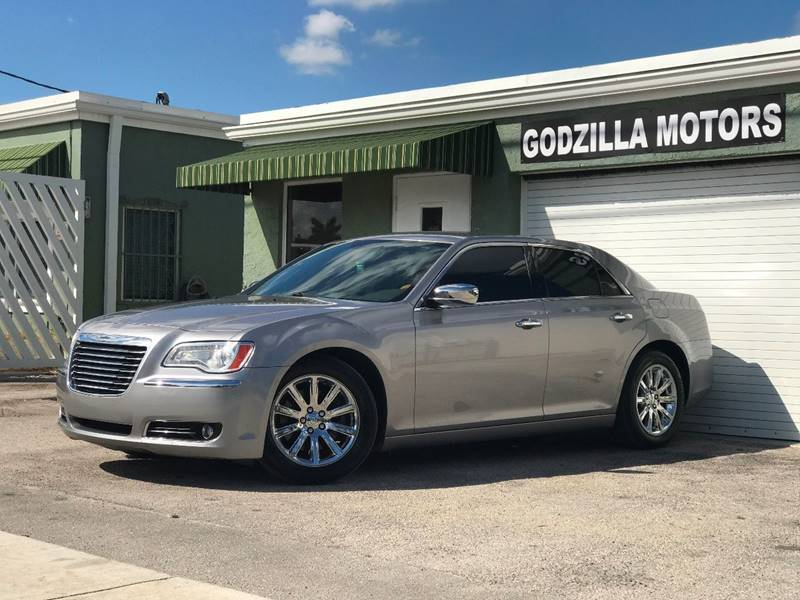 2014 CHRYSLER 300 C 4DR SEDAN gray exhaust - dual tip headlight bezel color - chrome door handl