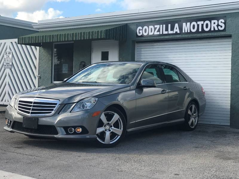 2010 MERCEDES-BENZ E-CLASS E 350 LUXURY 4MATIC AWD 4DR SEDA black exhaust - dual tip exhaust tip