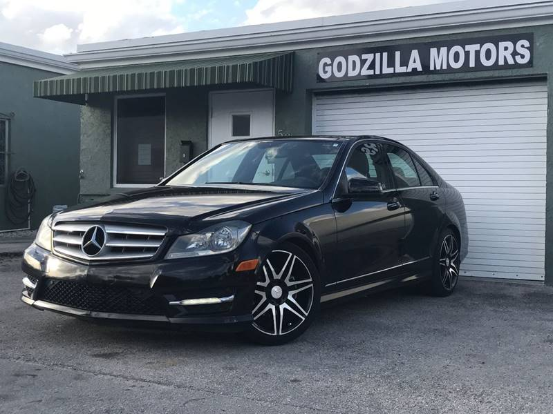 2013 MERCEDES-BENZ C-CLASS C 250 LUXURY 4DR SEDAN black front bumper color - body-color grille co