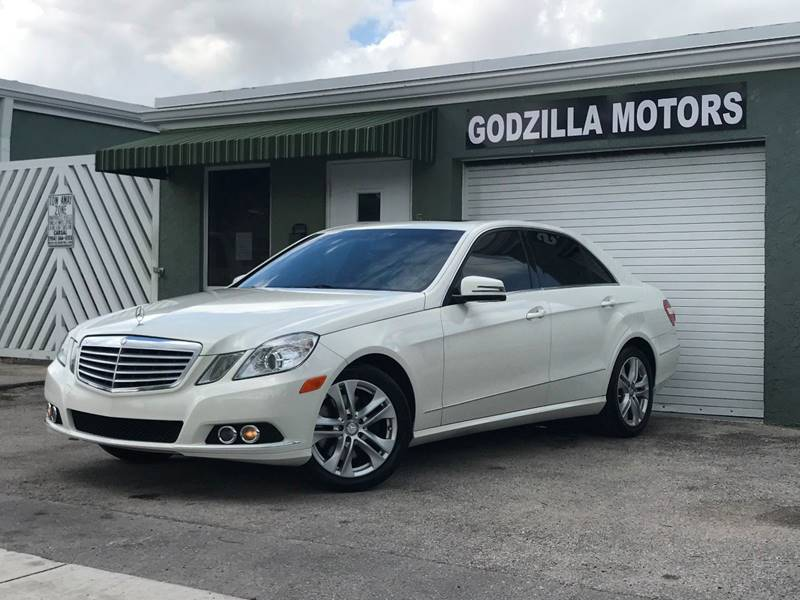 2011 MERCEDES-BENZ E-CLASS E 350 SPORT 4DR SEDAN white this one is ready to drive home and show o