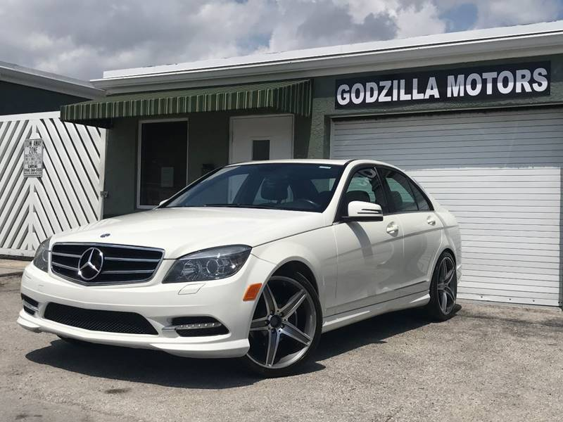 2011 MERCEDES-BENZ C-CLASS C 300 LUXURY 4DR SEDAN white this one is ready to drive home and show