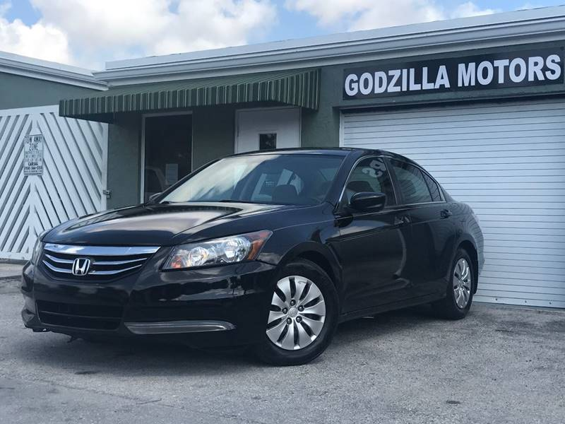 2012 HONDA ACCORD LX 4DR SEDAN 5A black this one is ready to drive home and show off   dont