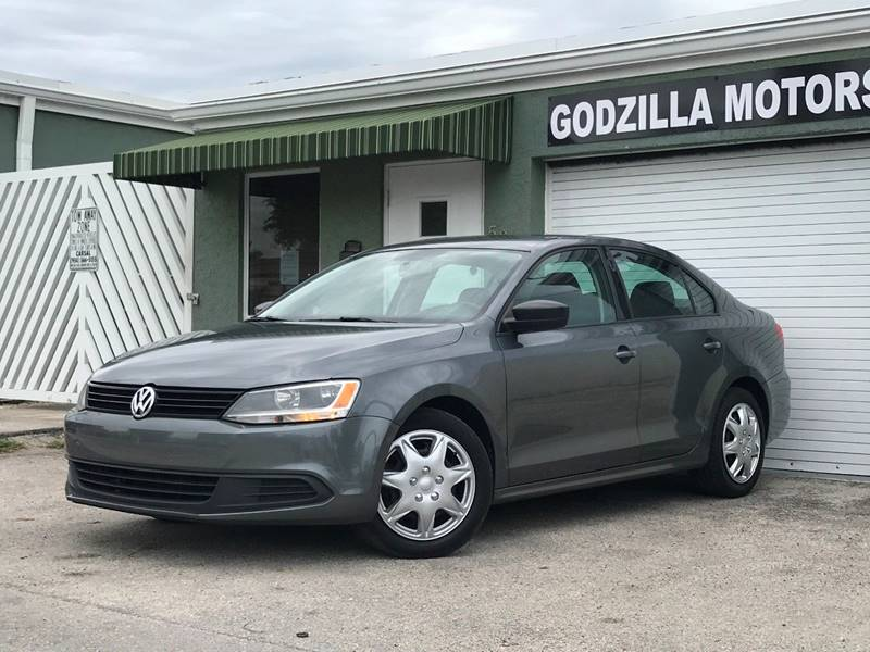 2012 VOLKSWAGEN JETTA S 4DR SEDAN 6A W SUNROOF gray this one is ready to drive home and show off