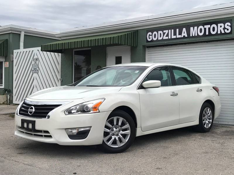 2015 NISSAN ALTIMA 25 SV 4DR SEDAN white this one is ready to drive home and show off  dont