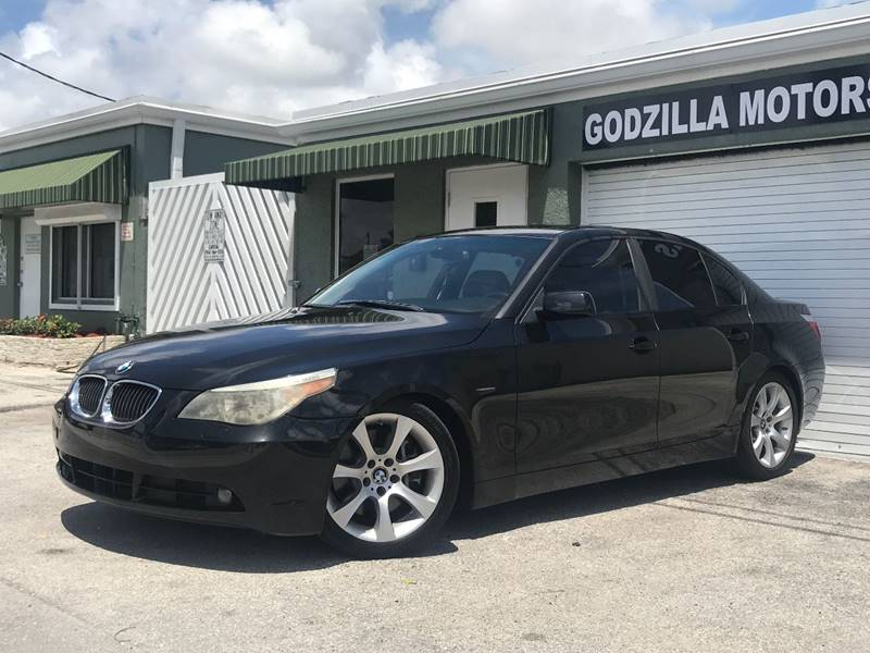 2007 BMW 5 SERIES 550I 4DR SEDAN black this one is ready to drive home and show off   dont w