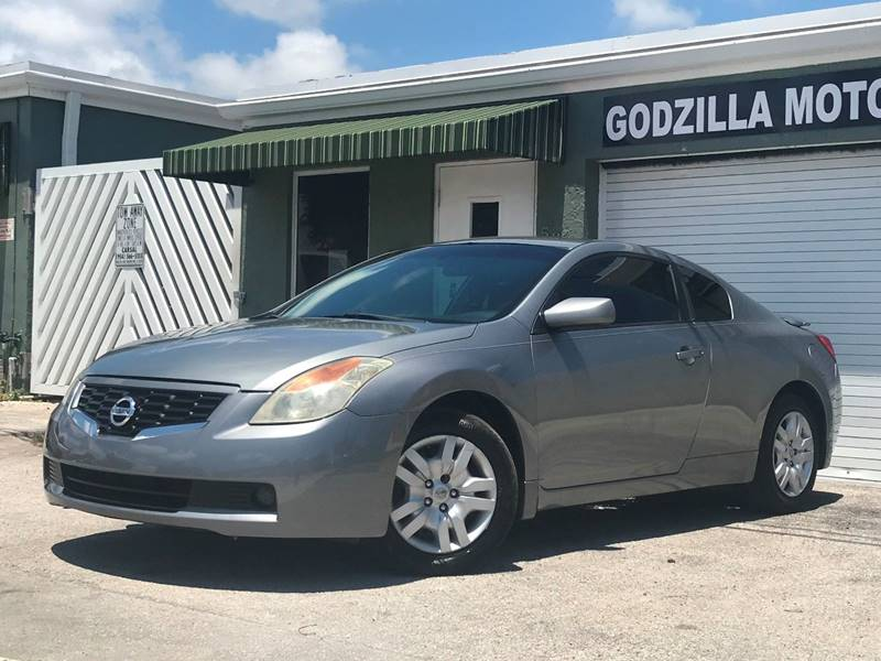 2009 NISSAN ALTIMA 25 S 2DR COUPE CVT gray this one is ready to drive home and show off  do