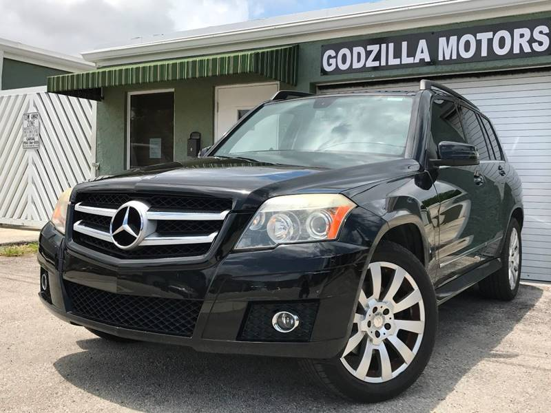 2010 MERCEDES-BENZ GLK GLK 350 4MATIC AWD 4DR SUV black this one is ready to drive home and show