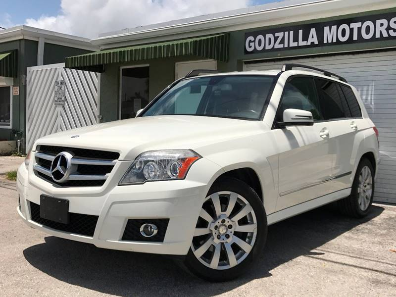 2012 MERCEDES-BENZ GLK GLK 350 4MATIC AWD 4DR SUV white this one is ready to drive home and show