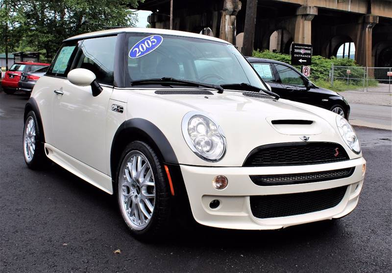 2005 MINI Cooper S 2dr Supercharged Hatchback - Pittsburgh PA