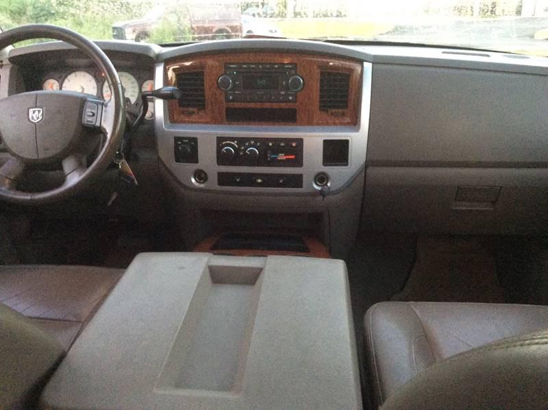 2006 Dodge Ram Pickup 2500 Laramie 4dr Mega Cab 4WD SB - Branford CT