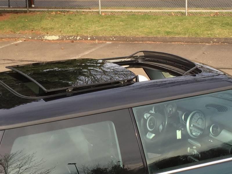 2009 MINI Cooper 2dr Hatchback - Branford CT