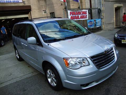 2008 Chrysler Town and Country for sale at Discount Auto Sales in Passaic NJ