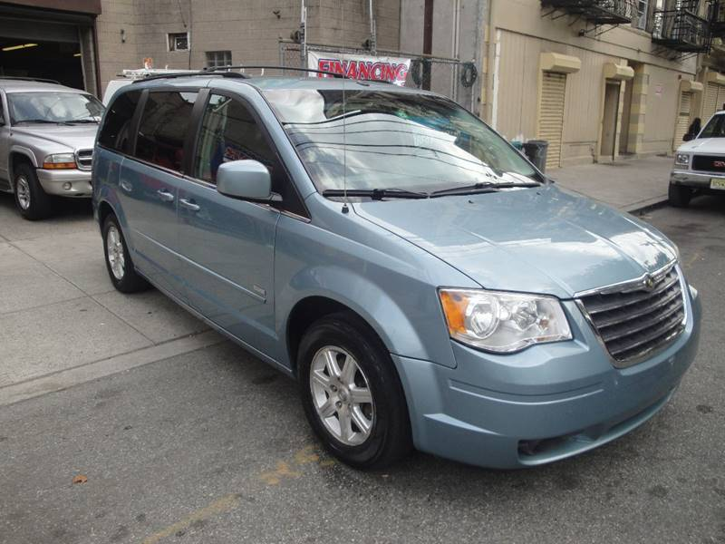 2008 chrysler town and country touring in passaic nj discount auto sales. Black Bedroom Furniture Sets. Home Design Ideas