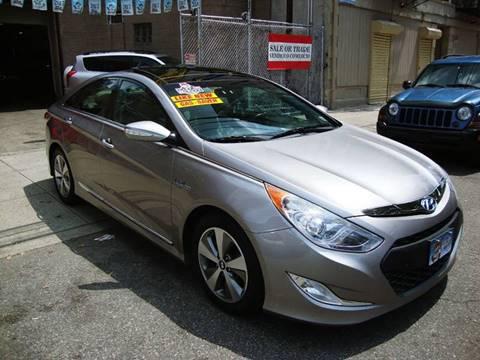 2012 Hyundai Sonata Hybrid for sale at Discount Auto Sales in Passaic NJ