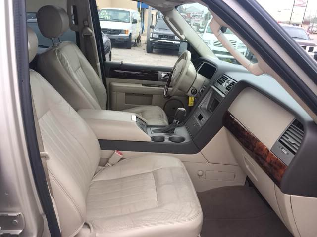 2004 Lincoln Navigator for sale at Highway 59 Automart in Gulf Shores AL