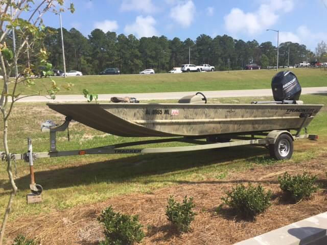 2014 Tracker Grizzly 1860 for sale at Highway 59 Automart in Gulf Shores AL