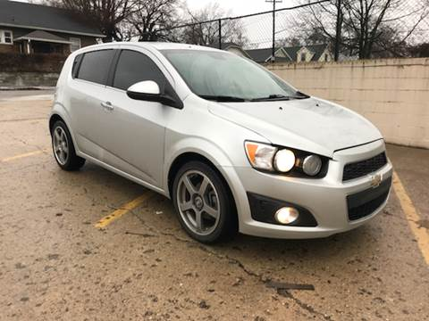 2013 Chevrolet Sonic for sale at JE Auto Sales LLC in Indianapolis IN