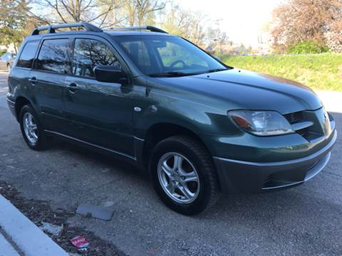 2004 Mitsubishi Outlander for sale at JE Auto Sales LLC in Indianapolis IN