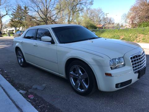 2007 Chrysler 300 for sale at JE Auto Sales LLC in Indianapolis IN