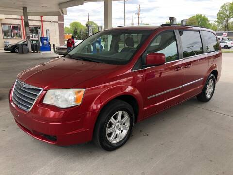 2009 Chrysler Town and Country for sale at JE Auto Sales LLC in Indianapolis IN