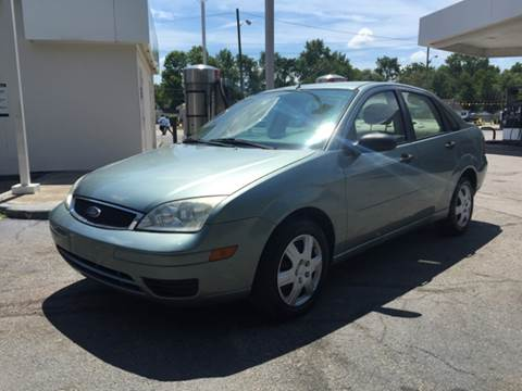 2005 Ford Focus for sale at JE Auto Sales LLC in Indianapolis IN