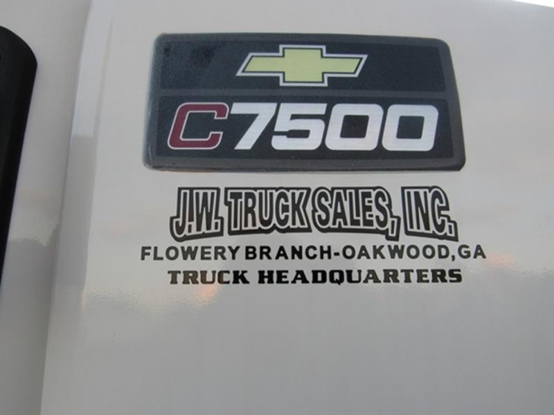 2006 Chevrolet C7500 In Oakwood GA - J W  Truck Sales Inc