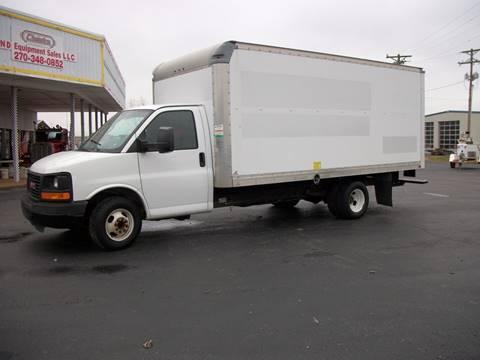 2011 GMC G33903 Box Truck