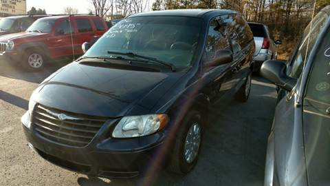 2006 Chrysler Town and Country for sale in Zanesville, OH
