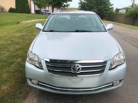 2005 Toyota Avalon for sale at Luxury Cars Xchange in Lockport IL