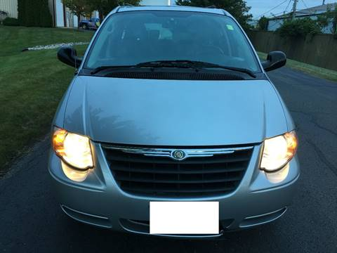 2006 Chrysler Town and Country for sale at Luxury Cars Xchange in Lockport IL