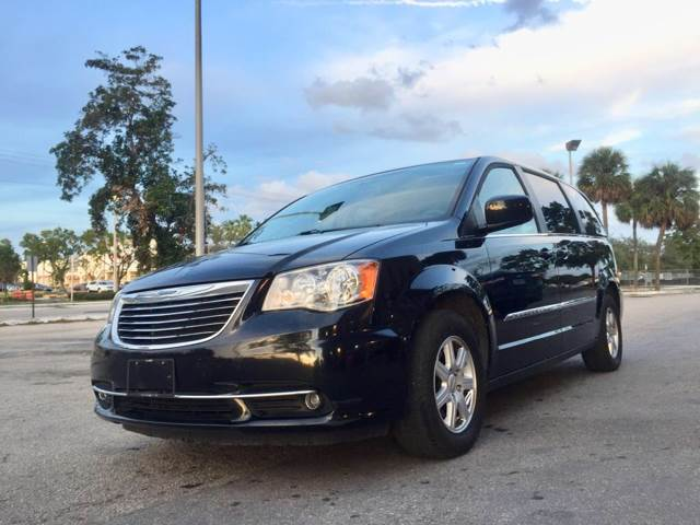 Chrysler Town and Country 2012 Touring 4dr Mini Van