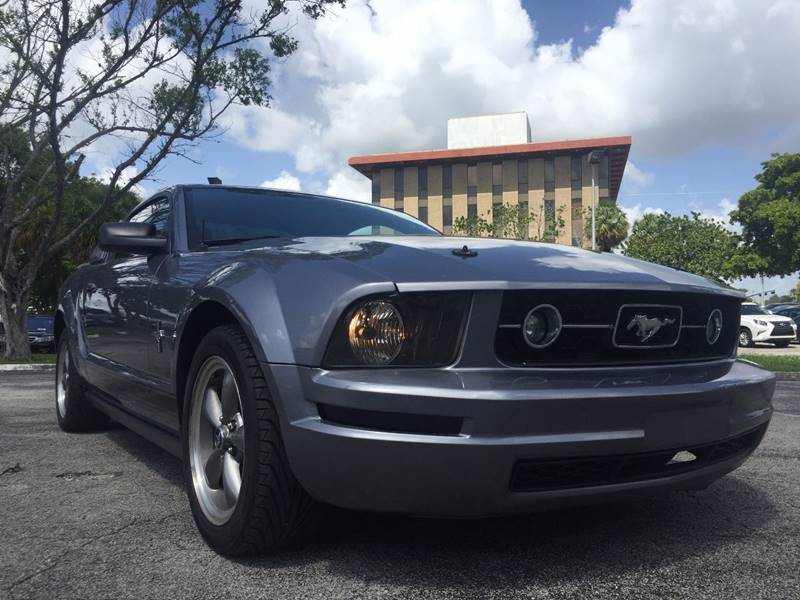 2006 Ford Mustang for sale at Cars 4 You in Hollywood FL & 2006 Ford Mustang V6 Deluxe In Hollywood FL - Cars 4 You markmcfarlin.com