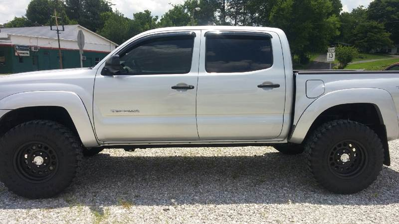 2009 Toyota Tacoma for sale at AM Automotive in Erin TN