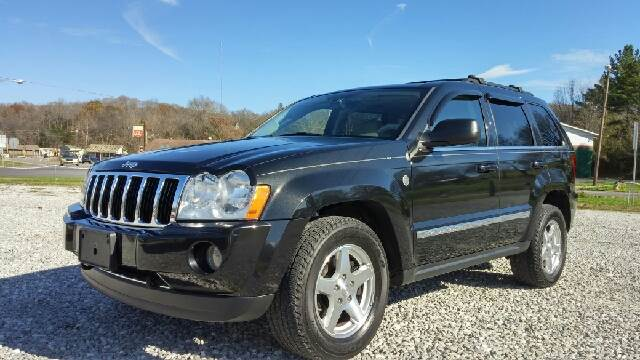 2005 Jeep Grand Cherokee for sale at AM Automotive in Erin TN