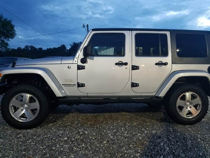 2009 Jeep Wrangler Unlimited for sale at AM Automotive in Erin TN