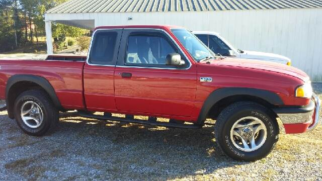 2001 Mazda B-Series Pickup for sale at AM Automotive in Erin TN