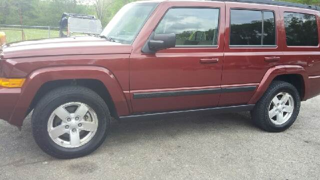2008 Jeep Commander for sale at AM Automotive in Erin TN