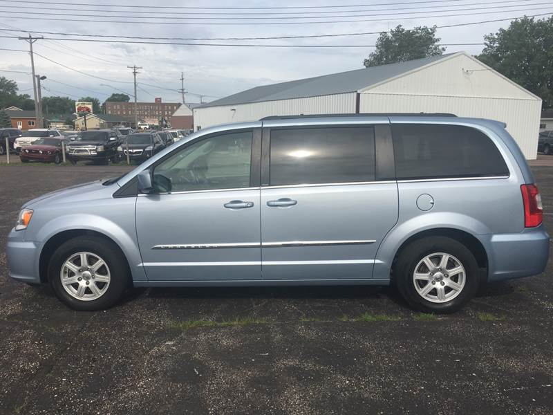 2013 Chrysler Town And Country Touring 4dr Mini-Van In Canistota SD ...