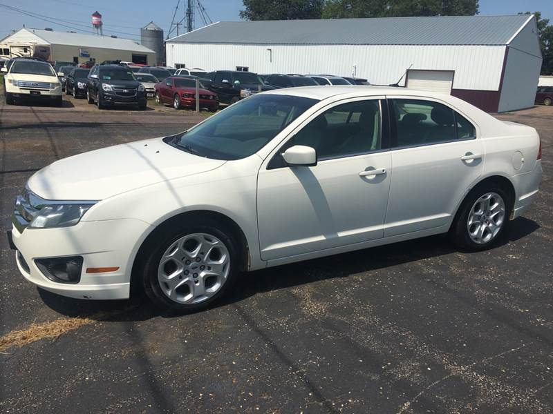 2011 Ford Fusion for sale at Diede's Used Cars in Canistota SD