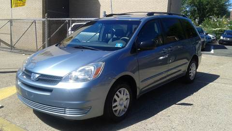 2005 Toyota Sienna for sale in Camden, NJ