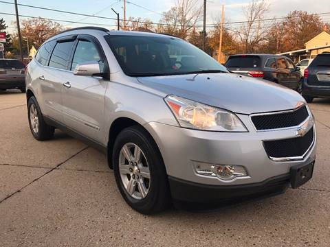 2009 Chevrolet Traverse for sale at Auto Gallery LLC in Burlington WI