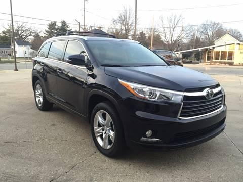2015 Toyota Highlander for sale at Auto Gallery LLC in Burlington WI