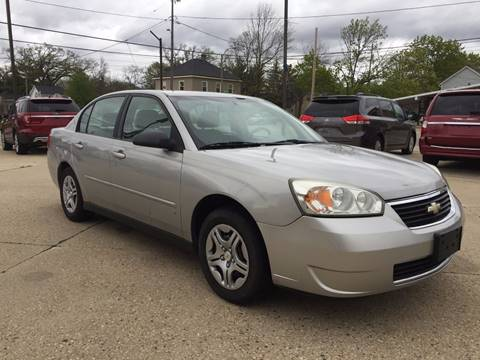 2007 Chevrolet Malibu for sale at Auto Gallery LLC in Burlington WI