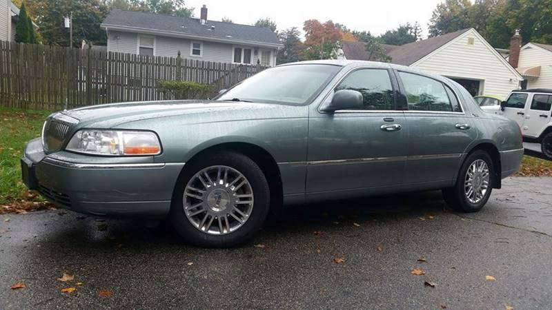 2006 Lincoln Town Car Signature Limited 4dr Sedan In Bloomingdale Nj