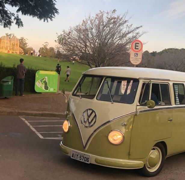 1962 Volkswagen Bus Rare - Doral FL