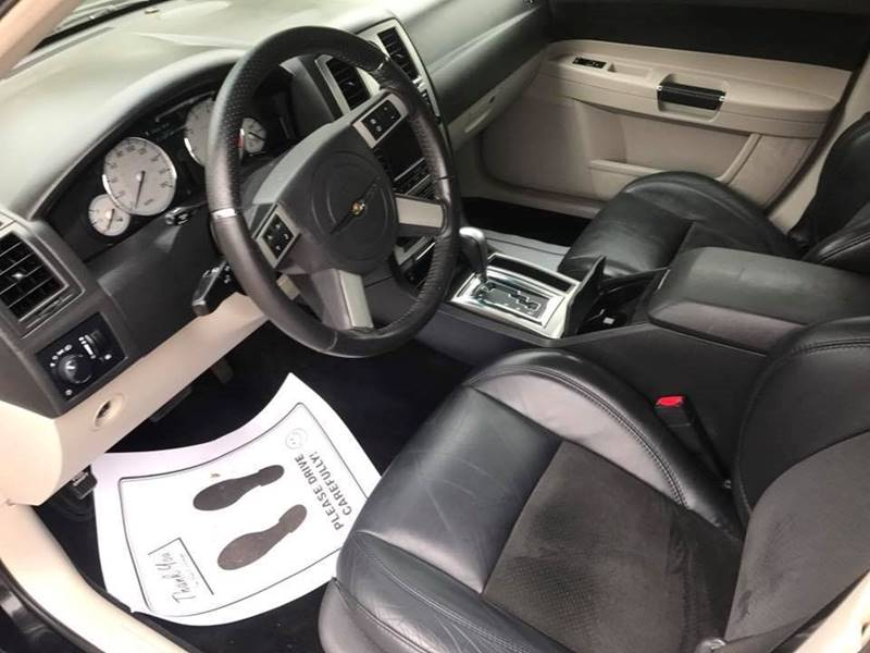 2007 Chrysler 300 SRT-8 4dr Sedan - Evansville IN