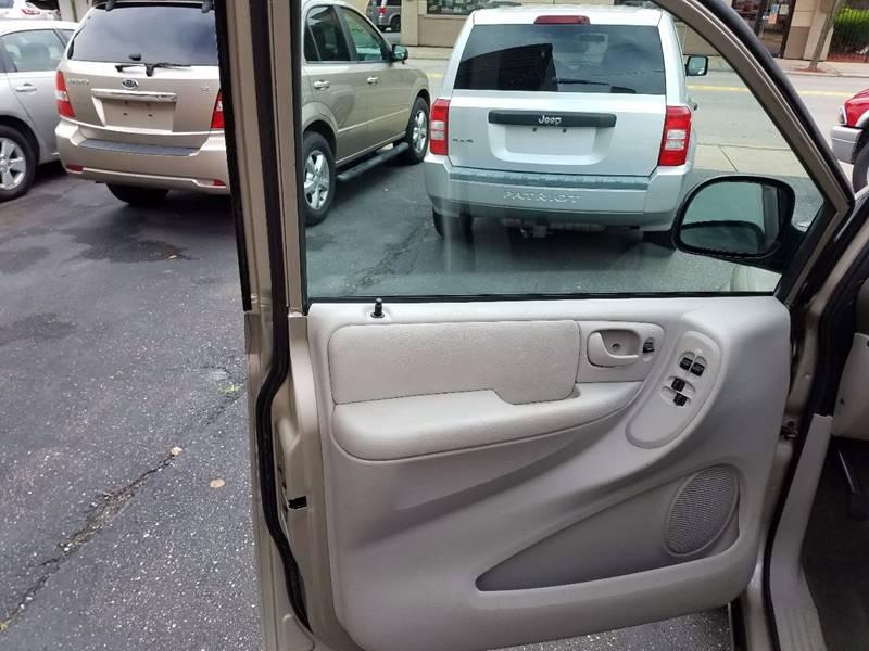 2005 Dodge Grand Caravan SE 4dr Extended Mini-Van - Follansbee WV