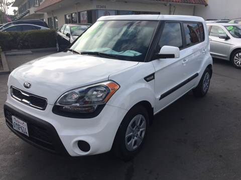 2013 Kia Soul for sale at CARSTER in Huntington Beach CA